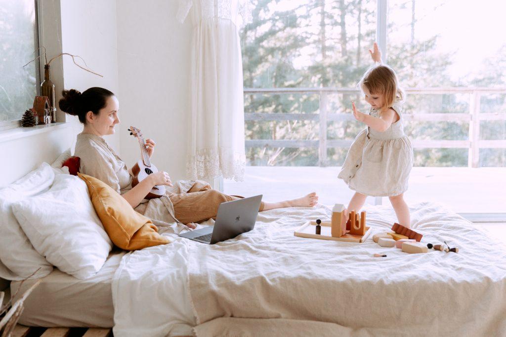 Curso de Mindfulness en familia - entrevista de Yoga en Red a Victoria Martín-Moreno de Cocotips